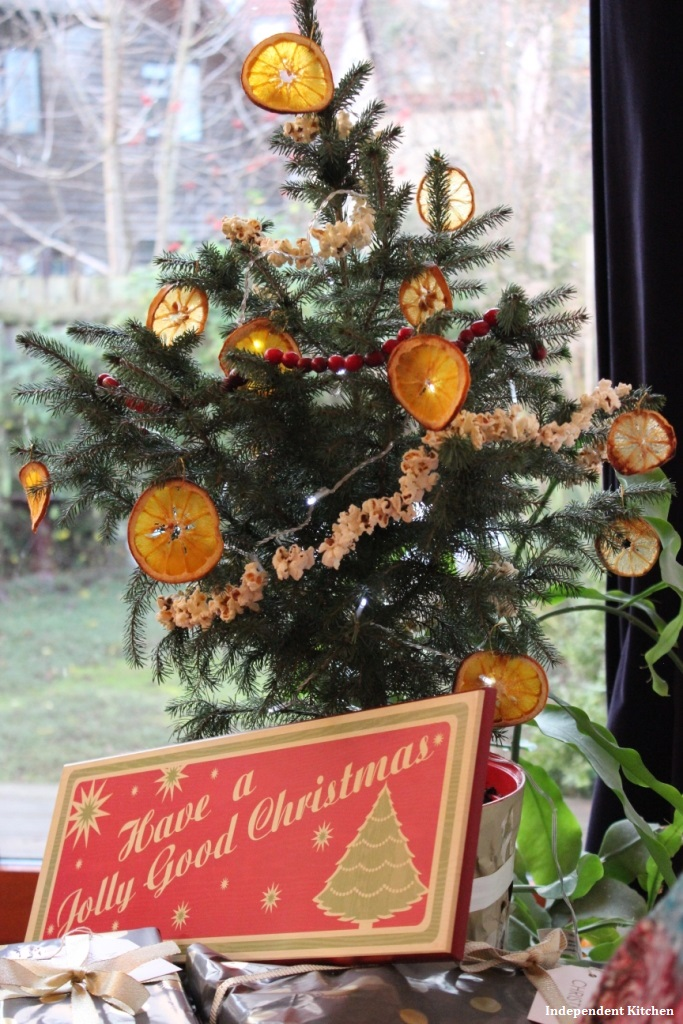 Alternative Christmas tree decoration ideas - natural, biodegradable and cheap