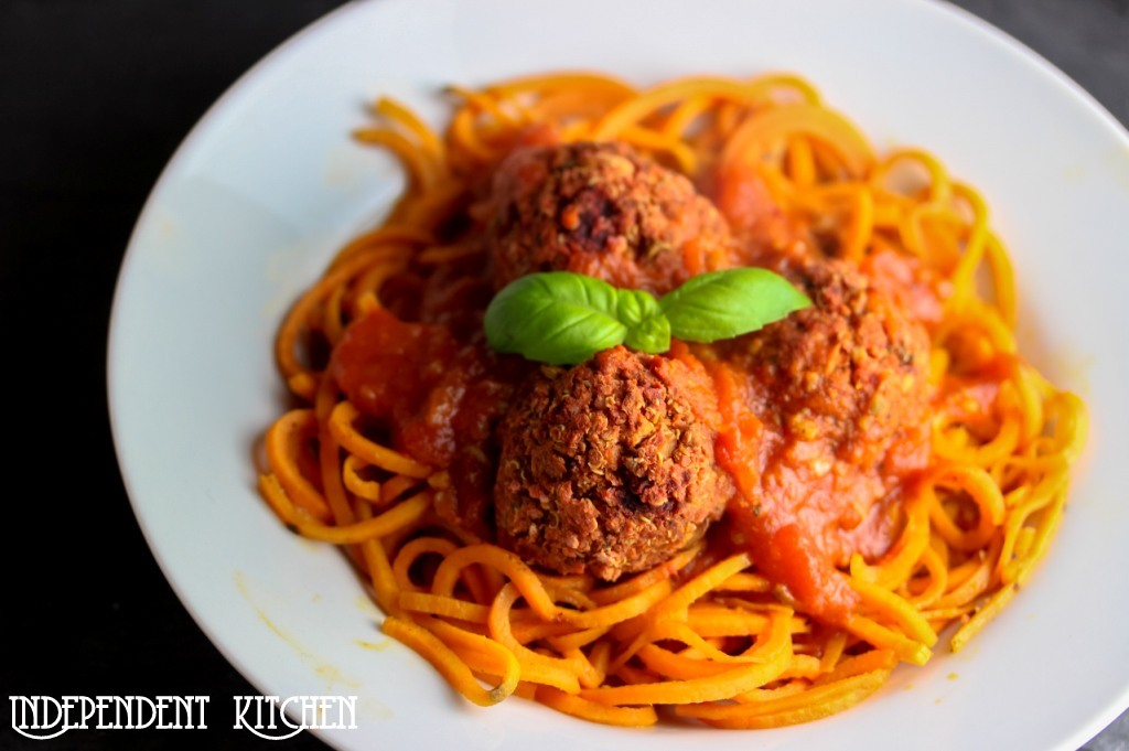 Sweet potato spaghetti & beetballs