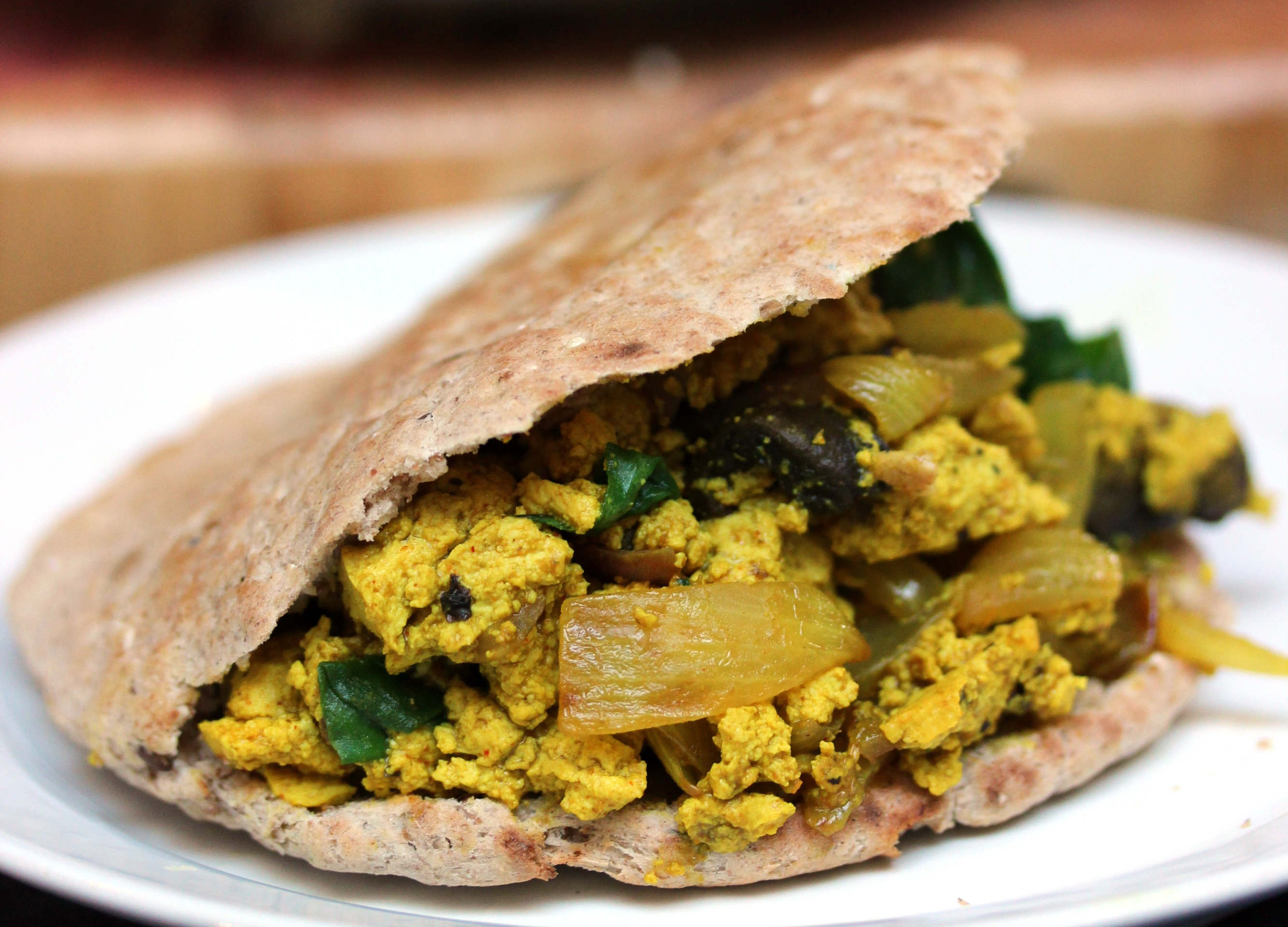 Vegan tofu scramble